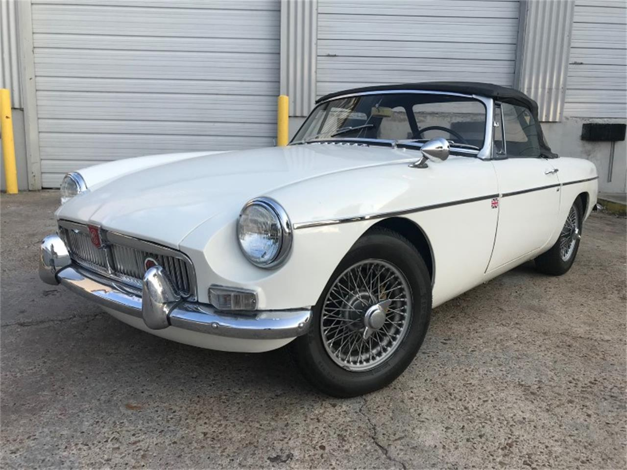 Large Picture of '66 MGB - PXXL