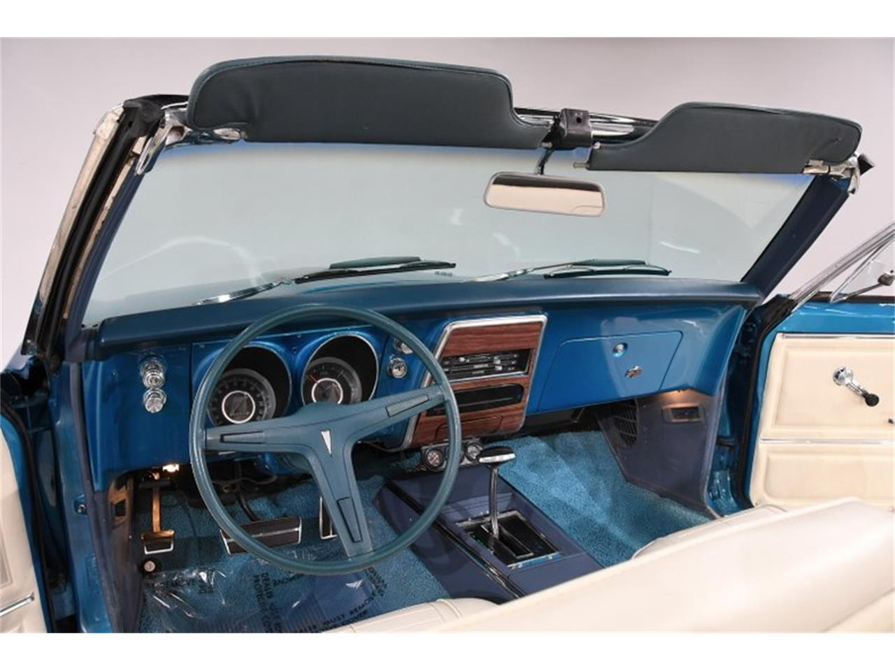 Large Picture of '67 Pontiac Firebird located in Illinois - $27,998.00 - Q0JX