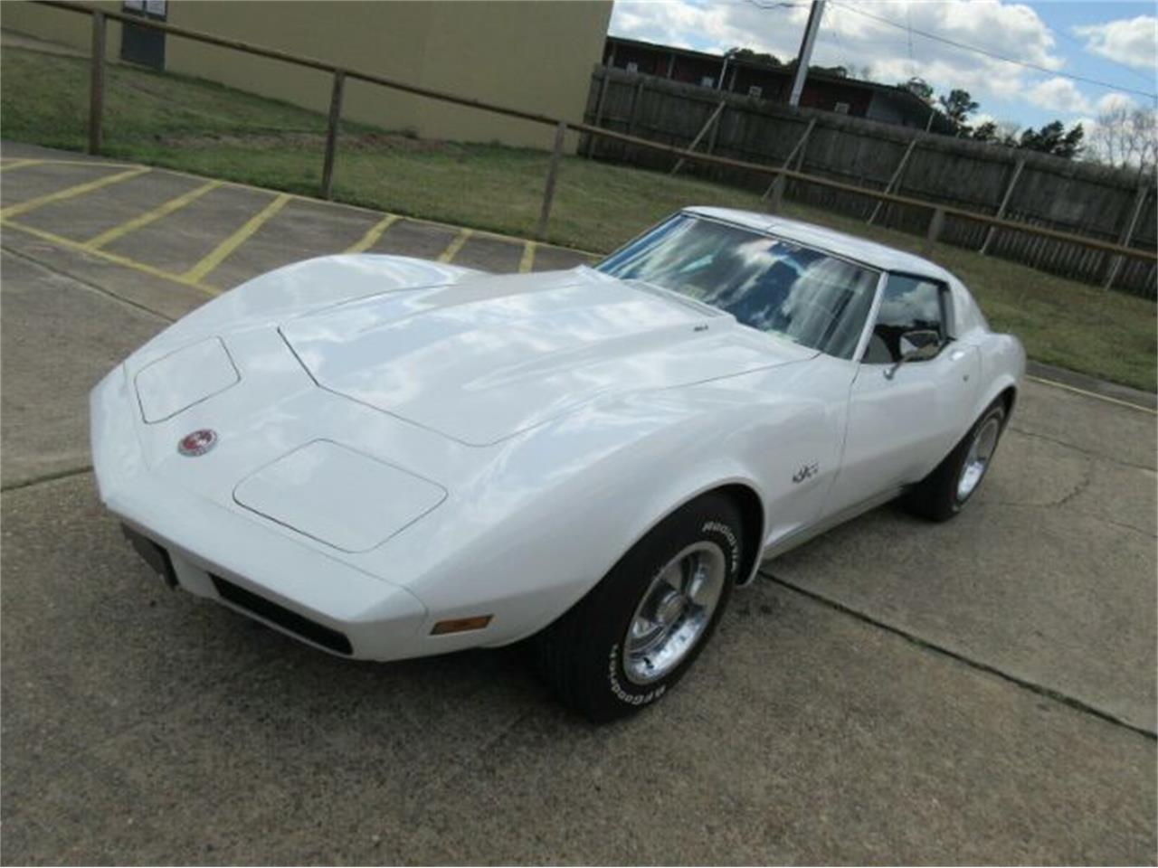 Large Picture of 1974 Corvette located in Cadillac Michigan Offered by Classic Car Deals - Q0MN