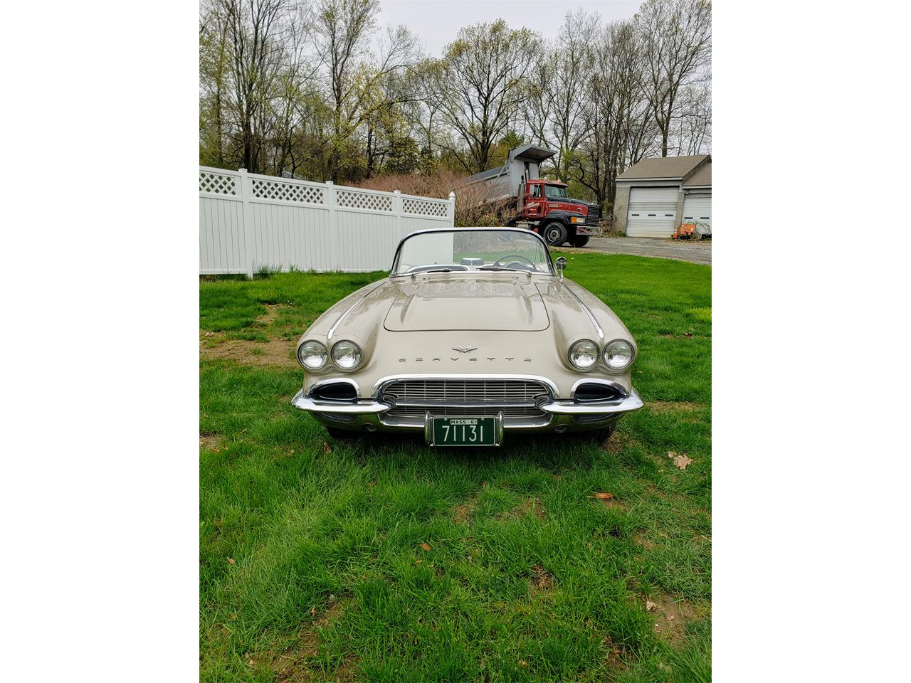 Large Picture of Classic '61 Chevrolet Corvette located in Marlboro Massachusetts - $58,000.00 Offered by a Private Seller - Q0QW