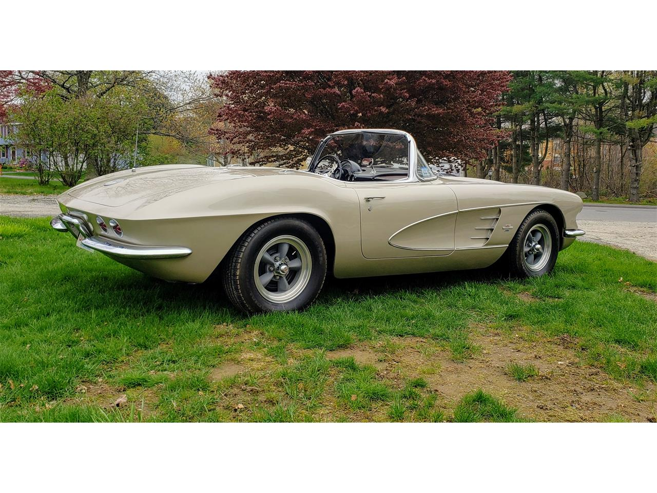 Large Picture of Classic '61 Chevrolet Corvette located in Massachusetts - $58,000.00 Offered by a Private Seller - Q0QW