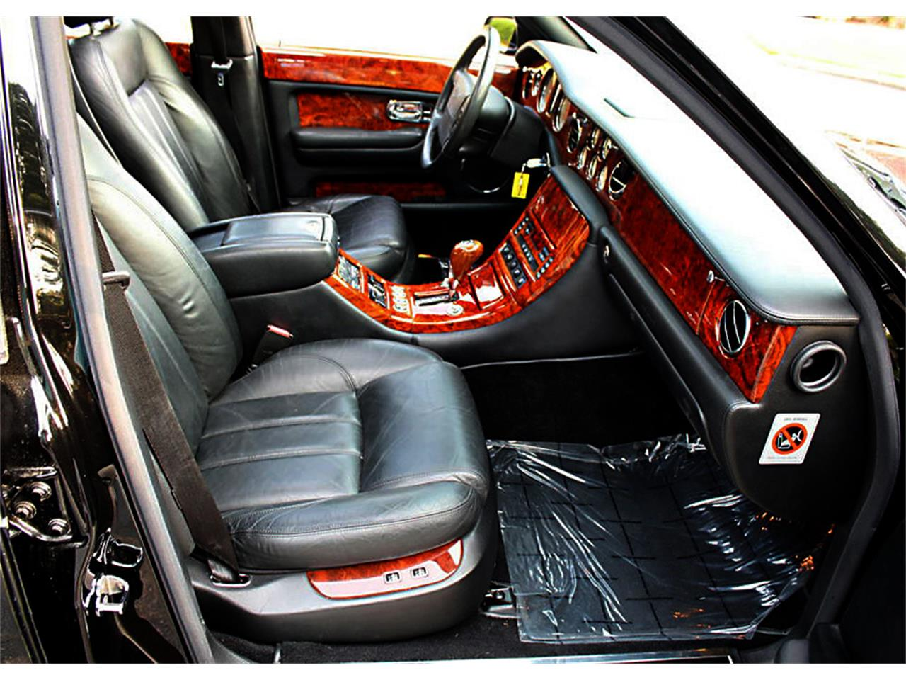 Large Picture of '03 Arnage located in Lakeland Florida Offered by MJC Classic Cars - Q0RC