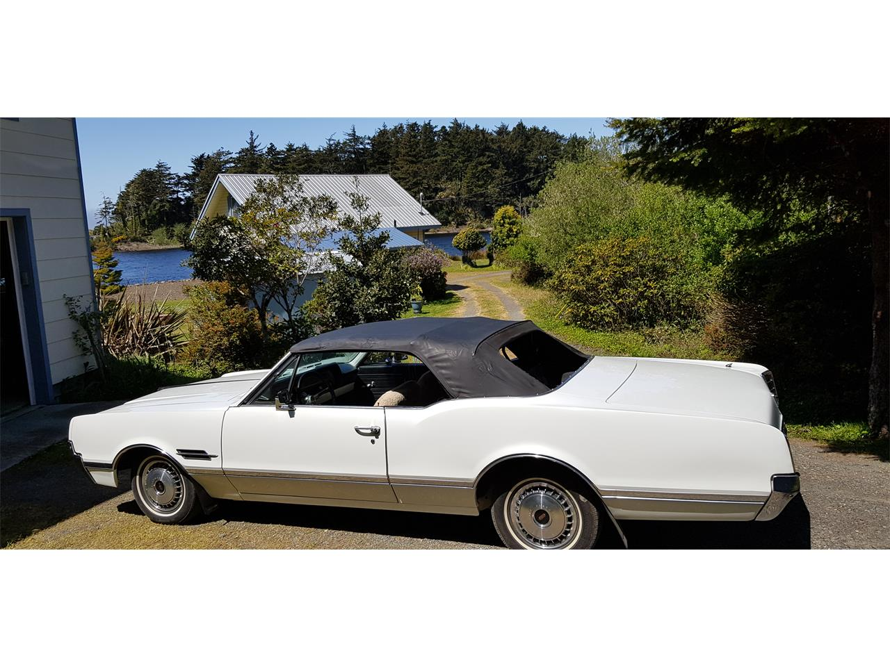Large Picture of Classic 1966 Oldsmobile Cutlass Supreme - $15,000.00 Offered by a Private Seller - Q0S8