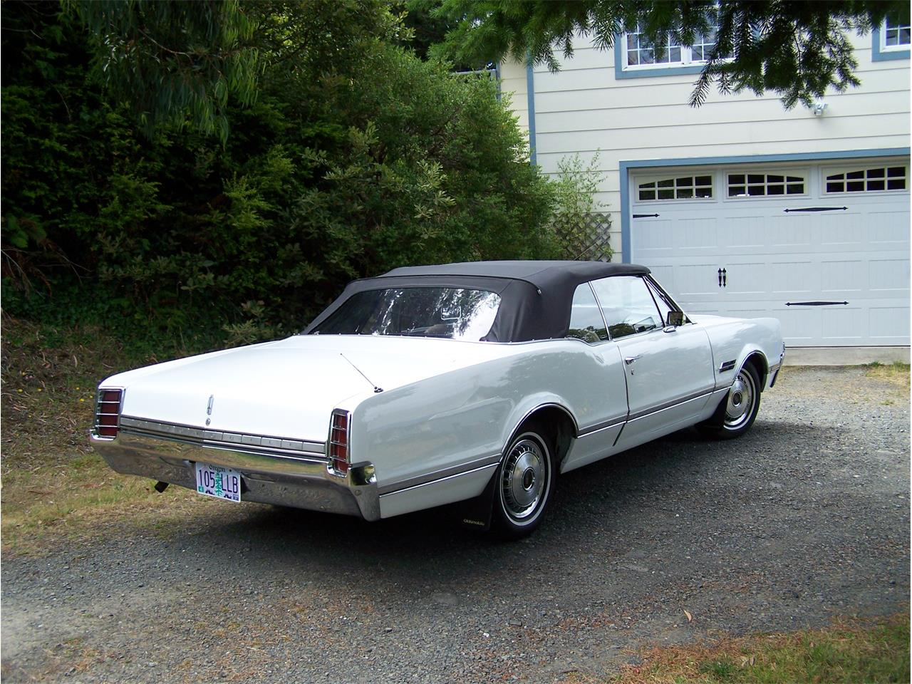 Large Picture of '66 Oldsmobile Cutlass Supreme located in Oregon - $15,000.00 - Q0S8