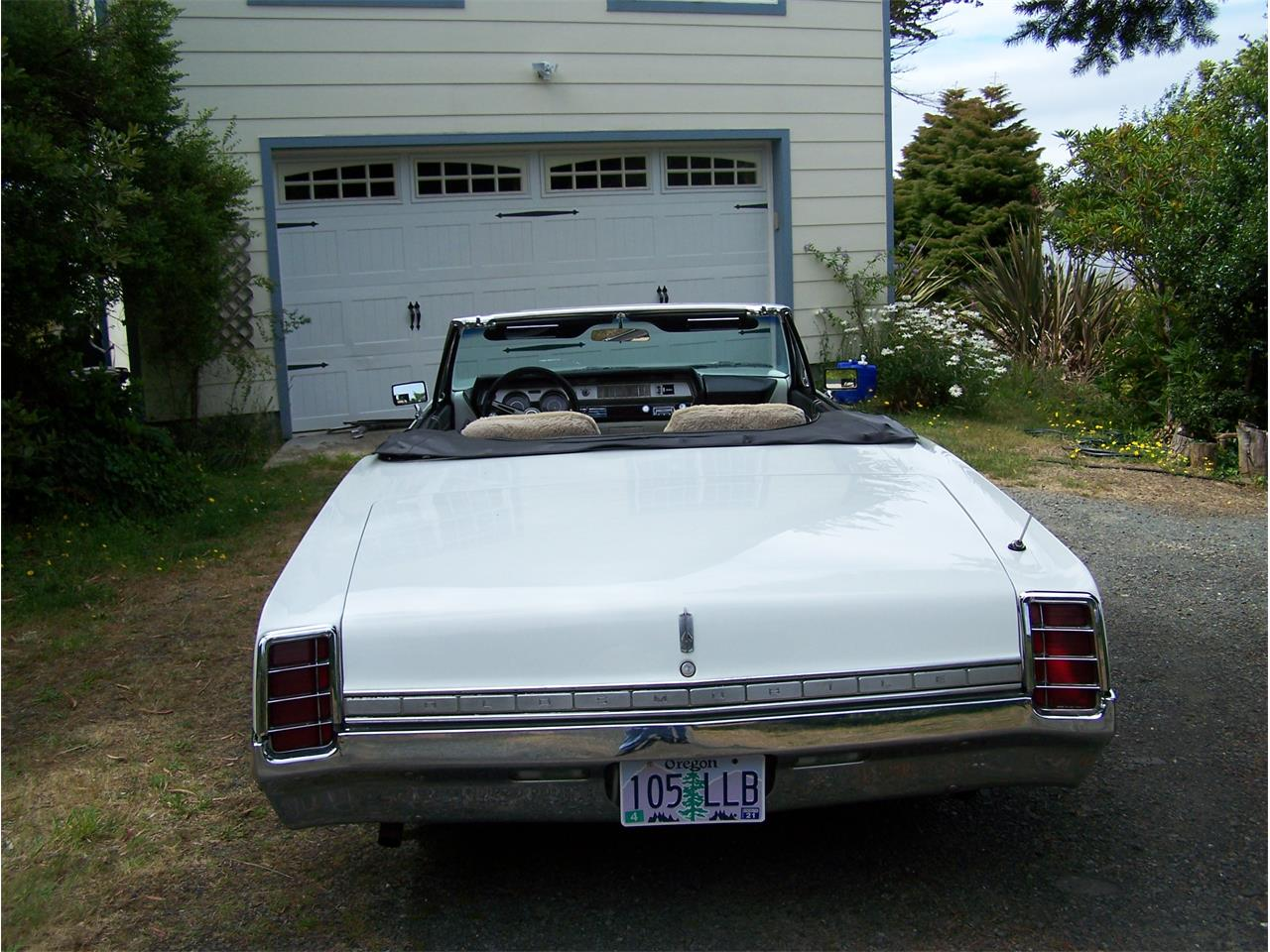 Large Picture of 1966 Cutlass Supreme Offered by a Private Seller - Q0S8
