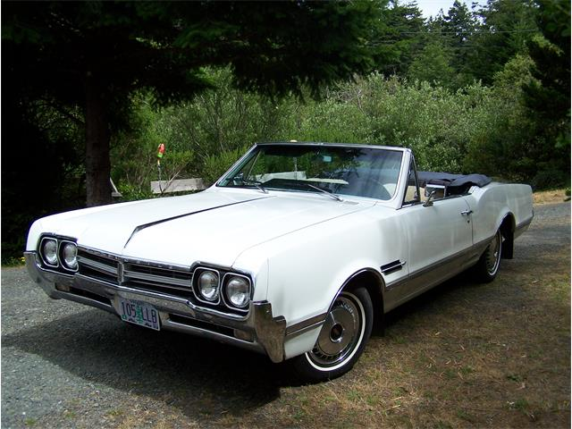 Picture of '66 Cutlass Supreme - Q0S8