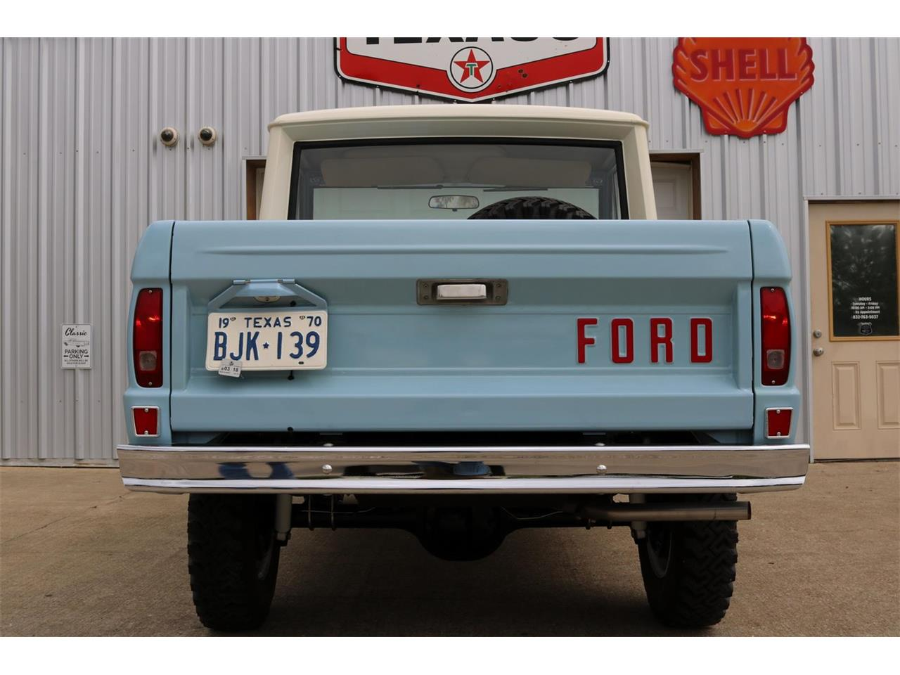 Large Picture of 1970 Bronco located in Conroe Texas Offered by Texas Trucks and Classics - PXZ2