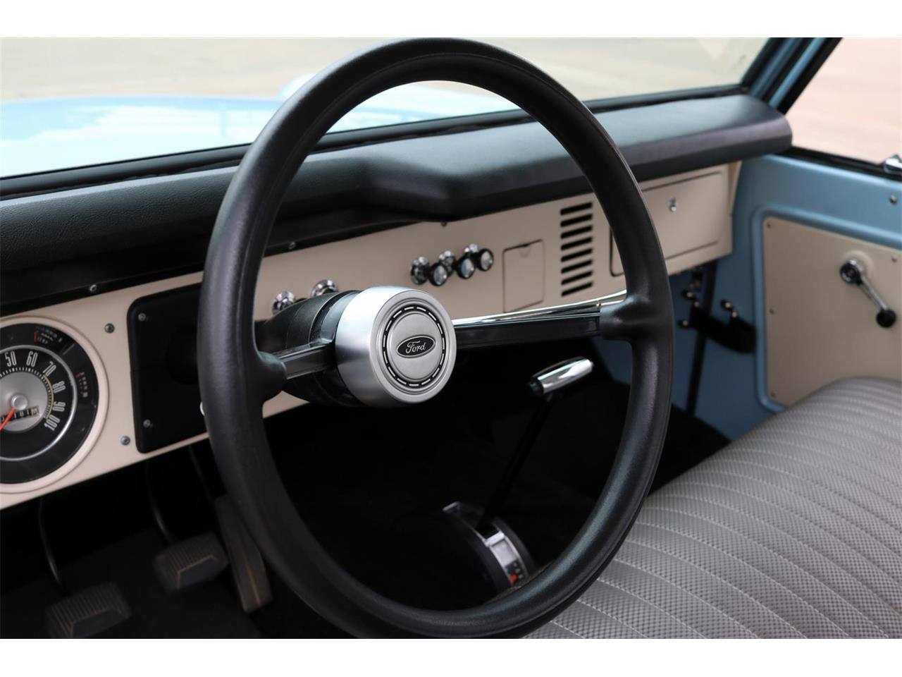 Large Picture of '70 Ford Bronco located in Conroe Texas Offered by Texas Trucks and Classics - PXZ2
