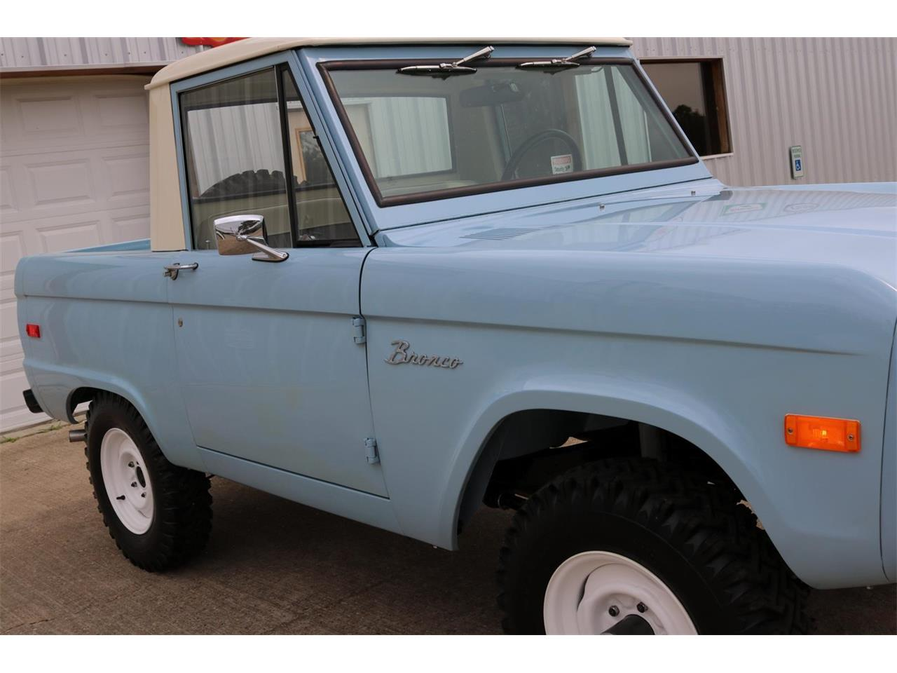 Large Picture of '70 Bronco - PXZ2