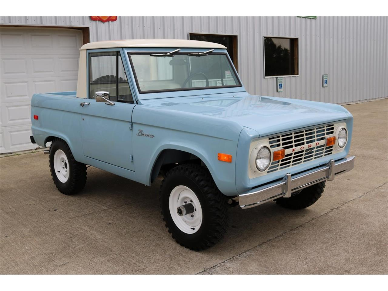 Large Picture of 1970 Ford Bronco - $59,900.00 Offered by Texas Trucks and Classics - PXZ2