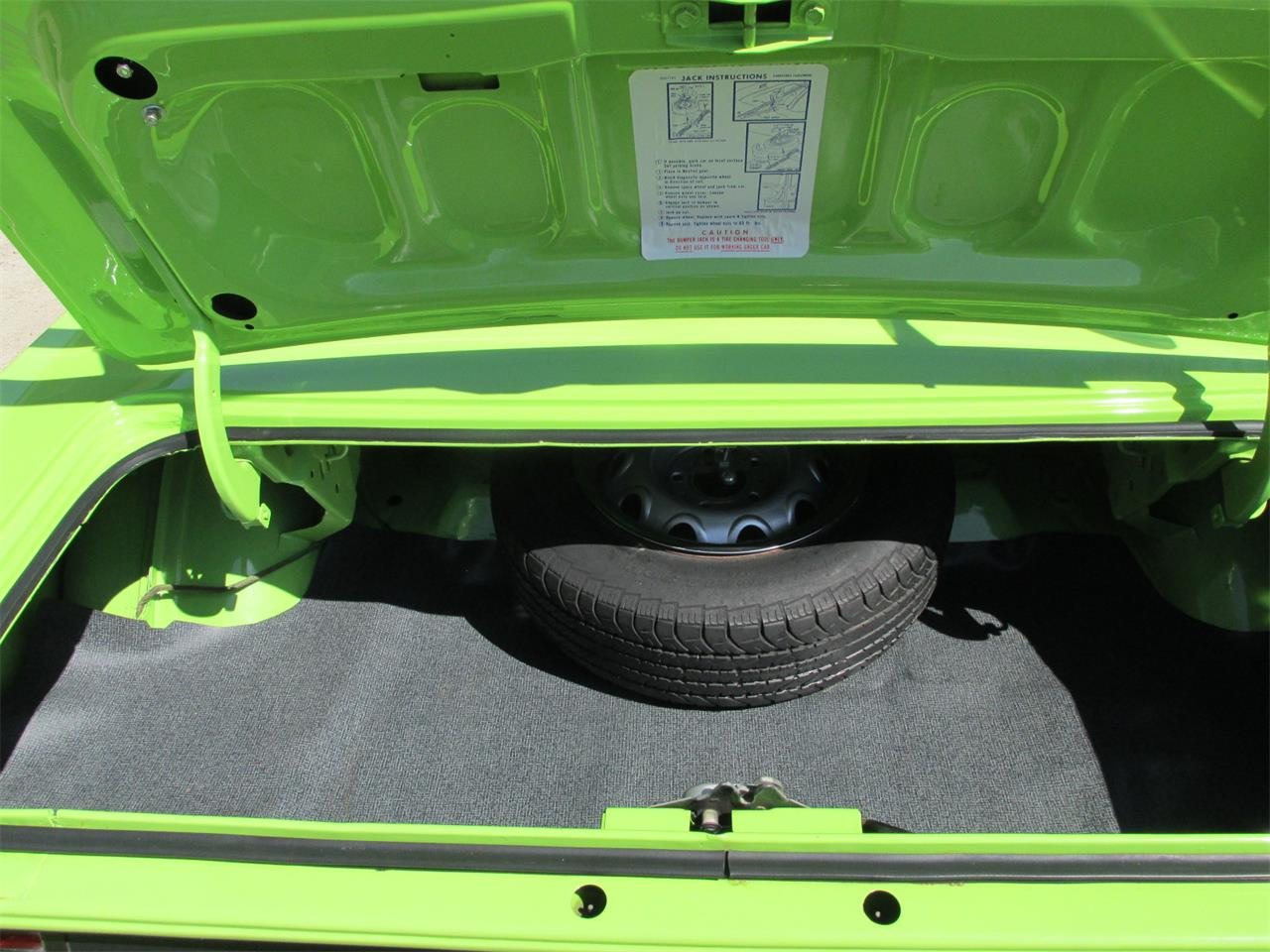 Large Picture of '70 Plymouth Cuda - Q105