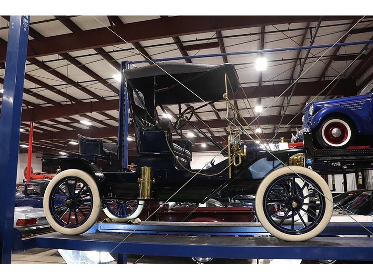 Large Picture of '11 Model T - Q10J