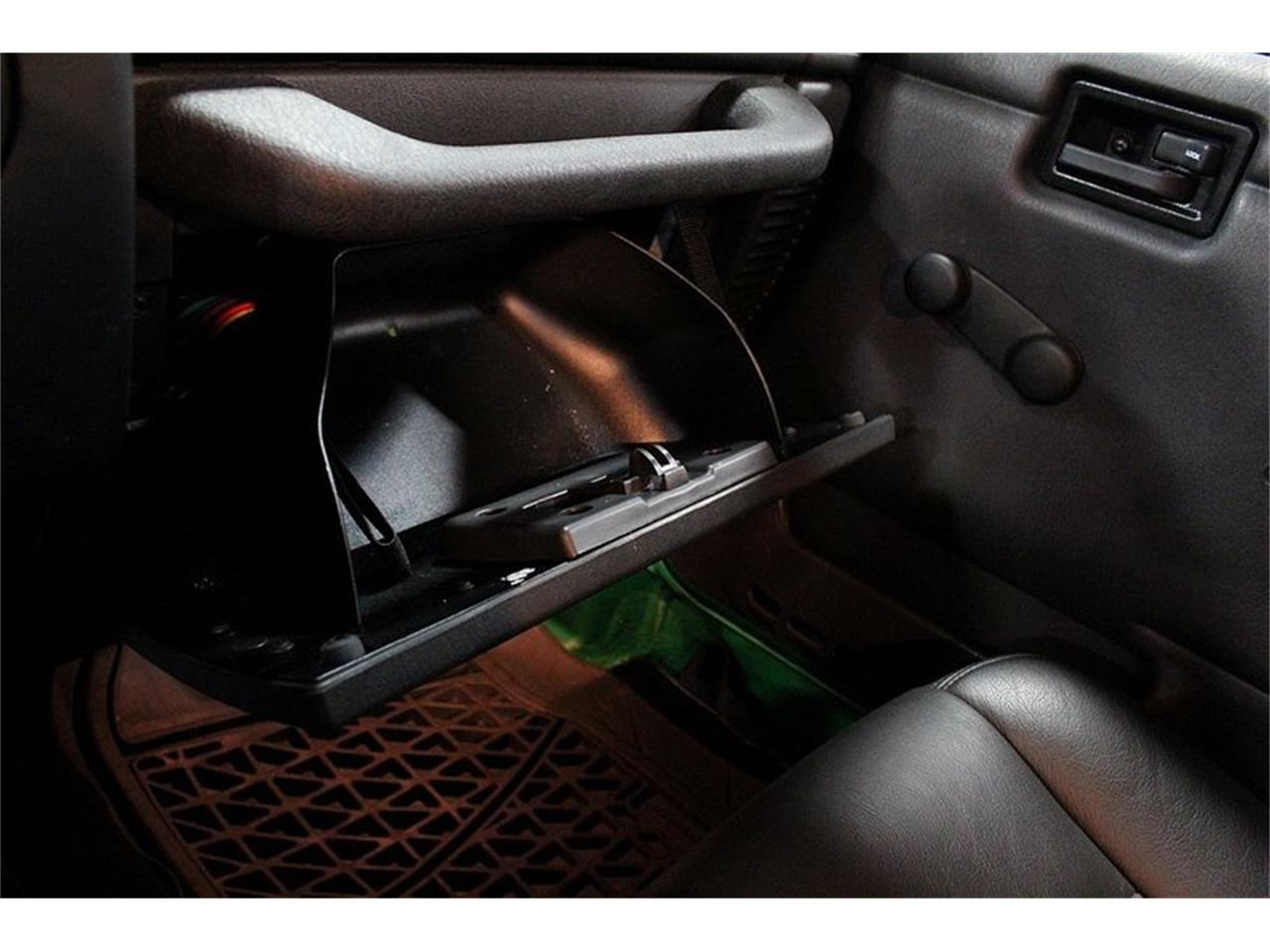 Large Picture of 2005 Jeep Wrangler located in Kentwood Michigan - Q10Z