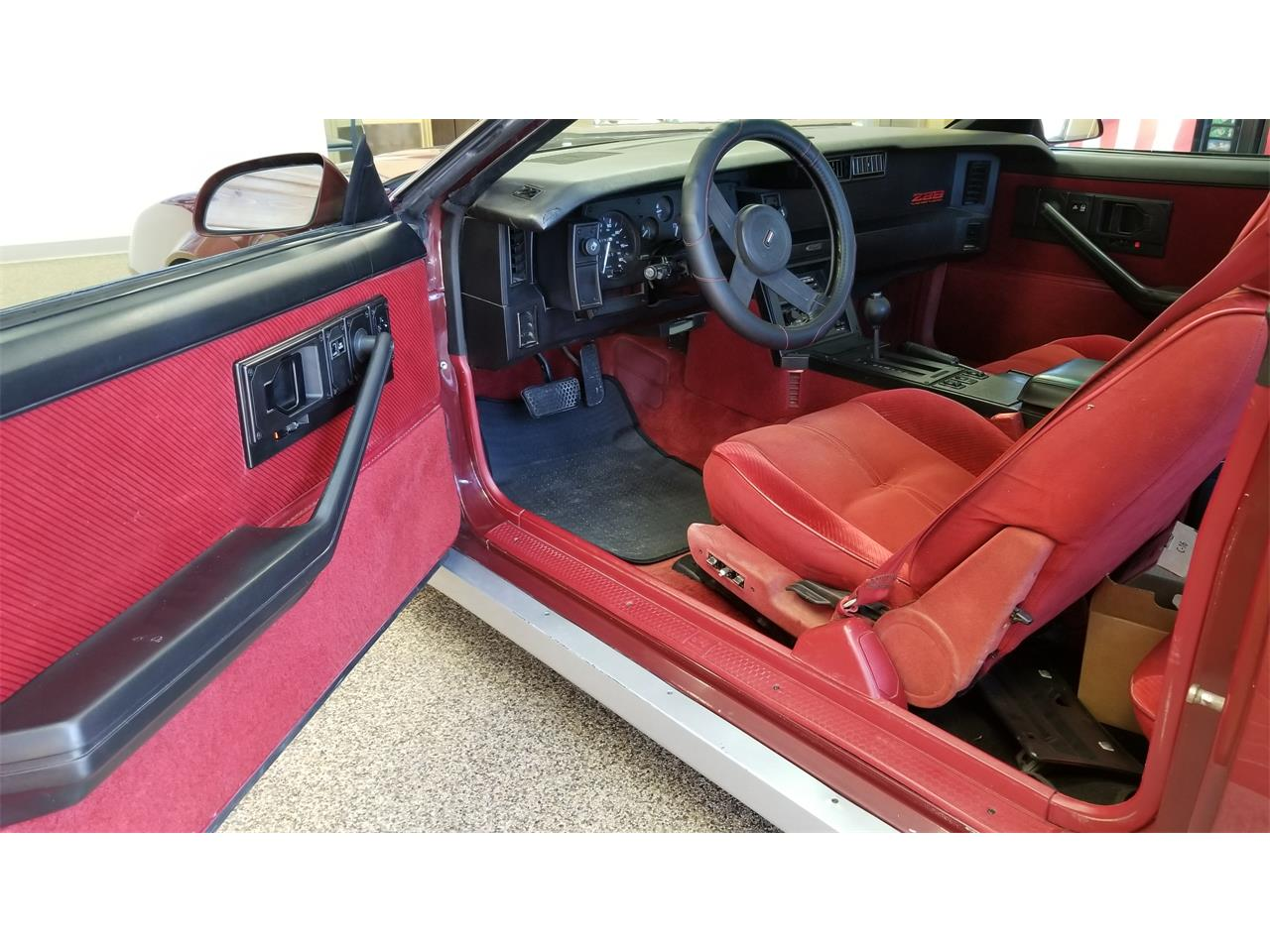 Large Picture of '85 Camaro RS Z28 - PXZB