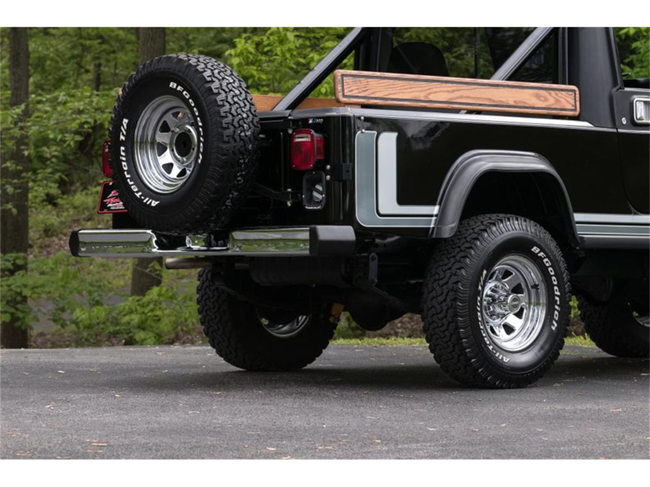 Large Picture of 1982 CJ8 Scrambler Offered by Fast Lane Classic Cars Inc. - Q11Z