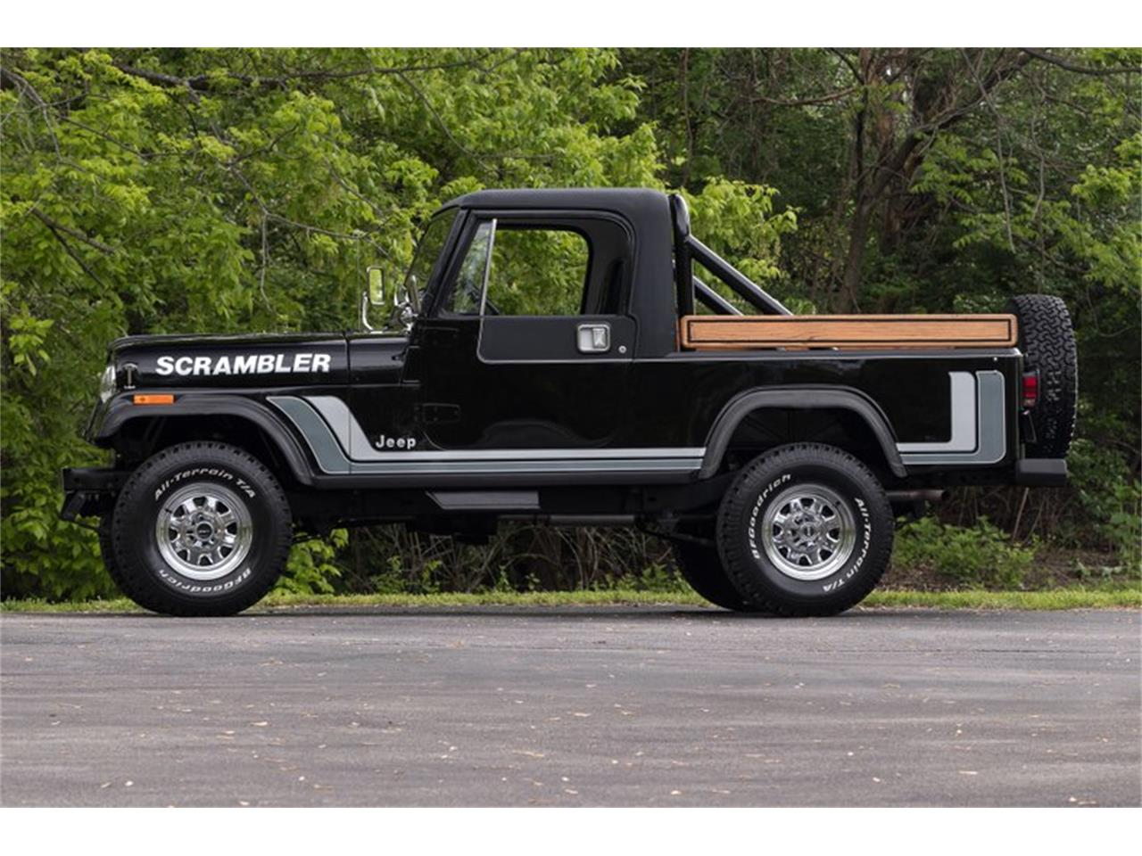 Large Picture of 1982 Jeep CJ8 Scrambler located in Missouri - $34,995.00 Offered by Fast Lane Classic Cars Inc. - Q11Z