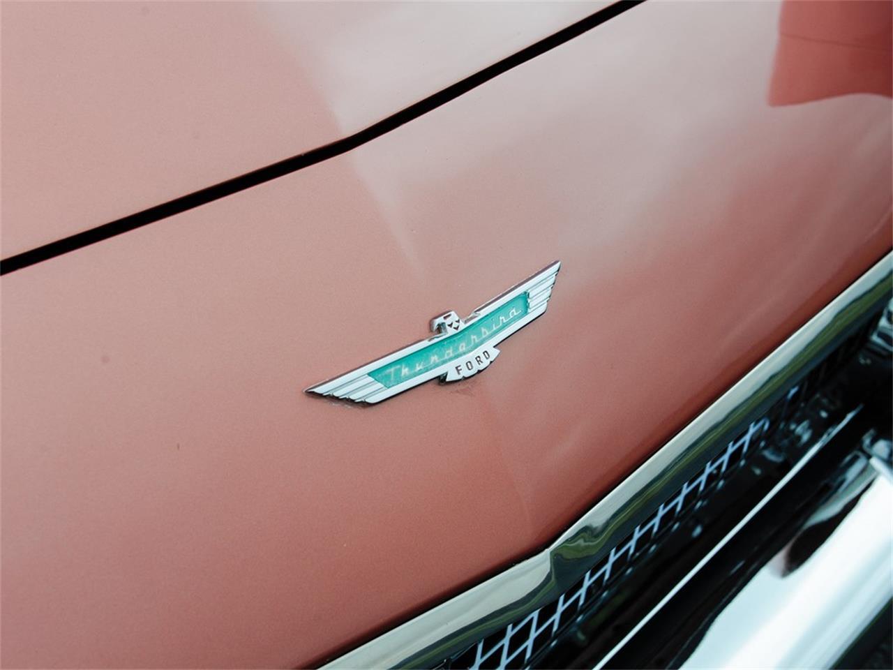 Large Picture of '57 Thunderbird - Q12Q