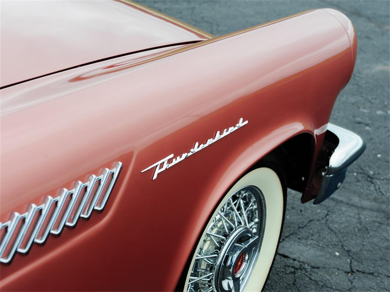 Large Picture of '57 Ford Thunderbird located in Auburn Indiana Auction Vehicle Offered by RM Sotheby's - Q12Q