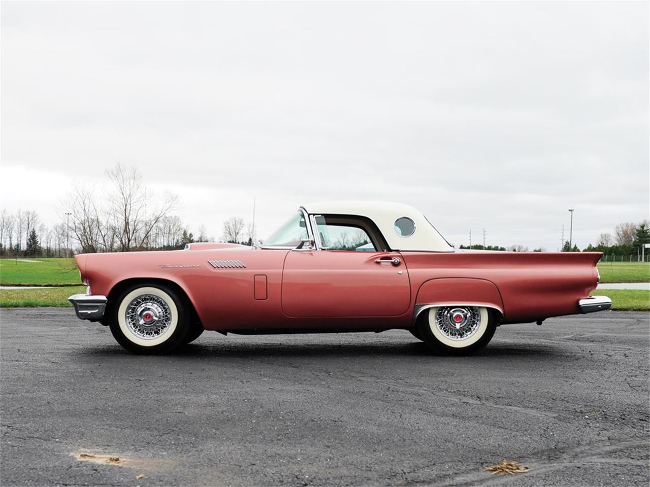 Large Picture of '57 Thunderbird Auction Vehicle Offered by RM Sotheby's - Q12Q