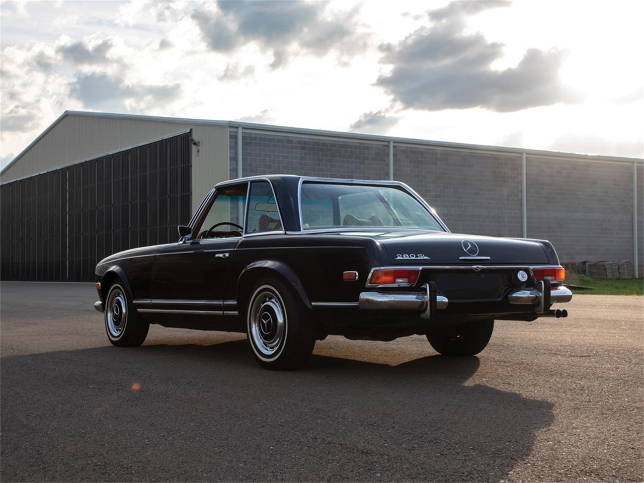 Large Picture of 1971 Mercedes-Benz 280SL located in Auburn Indiana Auction Vehicle Offered by RM Sotheby's - Q16H