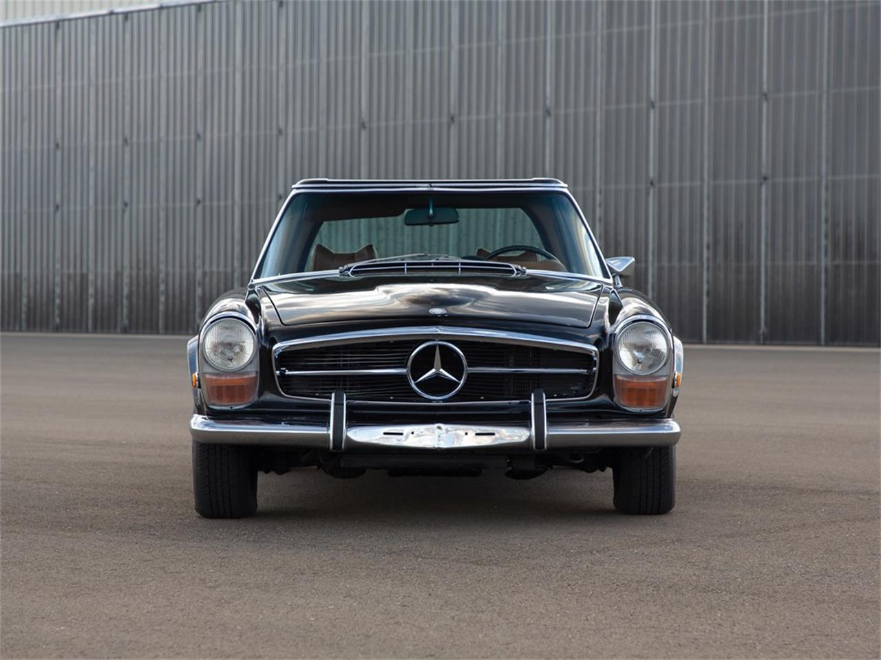 Large Picture of Classic '71 Mercedes-Benz 280SL Offered by RM Sotheby's - Q16H