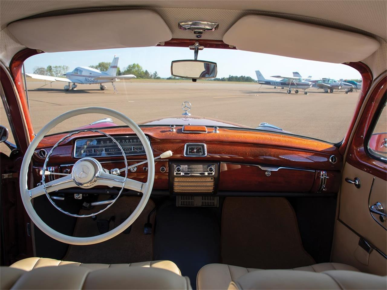 Large Picture of '59 Mercedes-Benz 220SE located in Indiana Auction Vehicle - Q16N