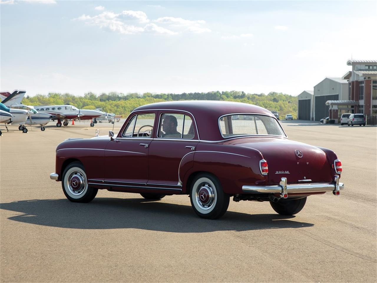 Large Picture of '59 220SE located in Auburn Indiana Auction Vehicle Offered by RM Sotheby's - Q16N