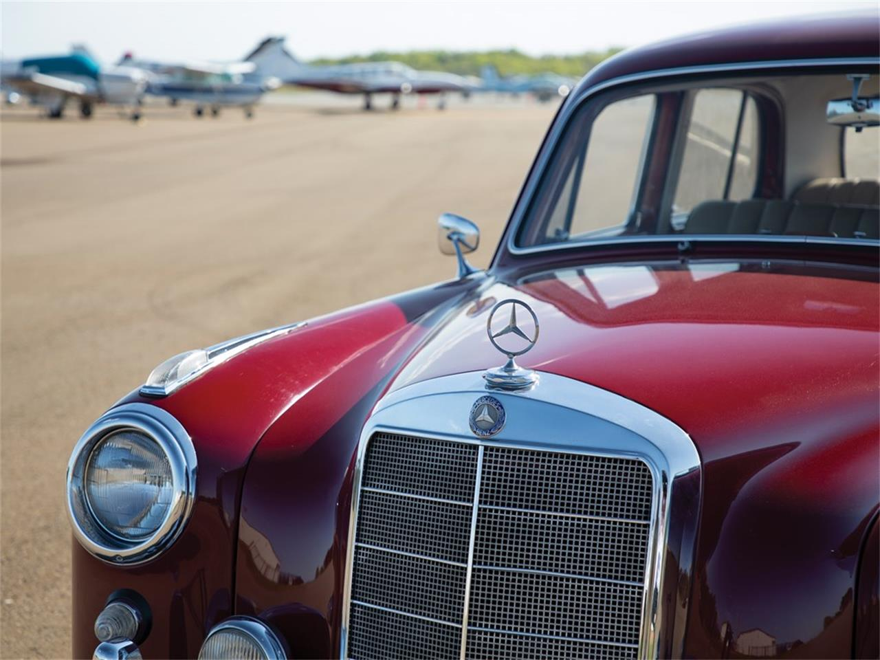 Large Picture of 1959 Mercedes-Benz 220SE located in Indiana Offered by RM Sotheby's - Q16N