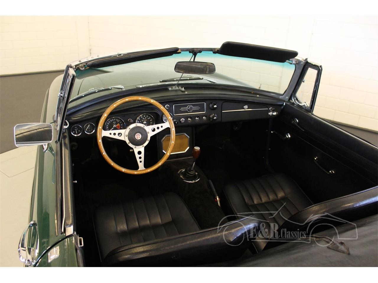 Large Picture of Classic 1964 MG MGB located in Waalwijk noord brabant - Q178