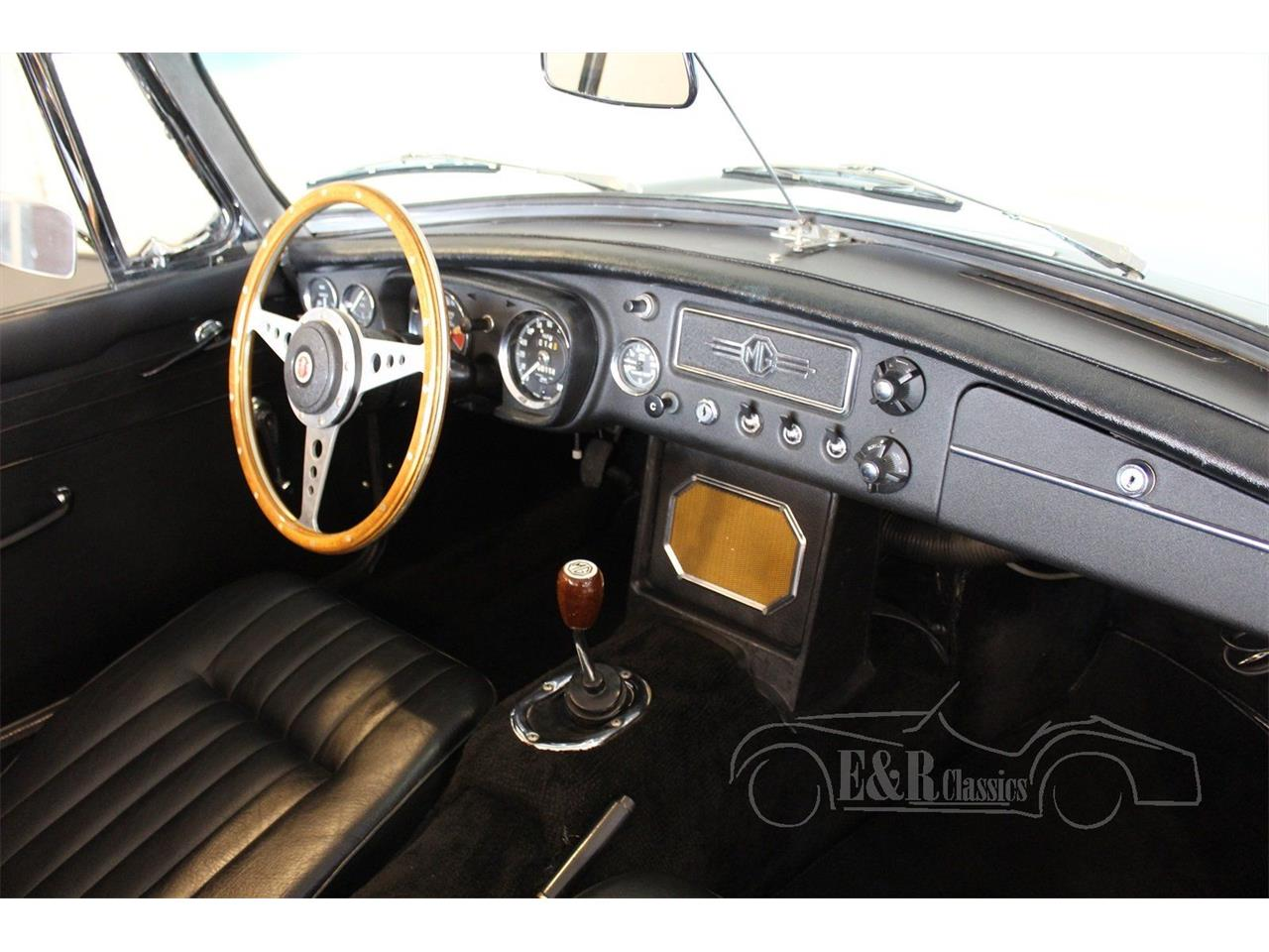 Large Picture of 1964 MG MGB - Q178