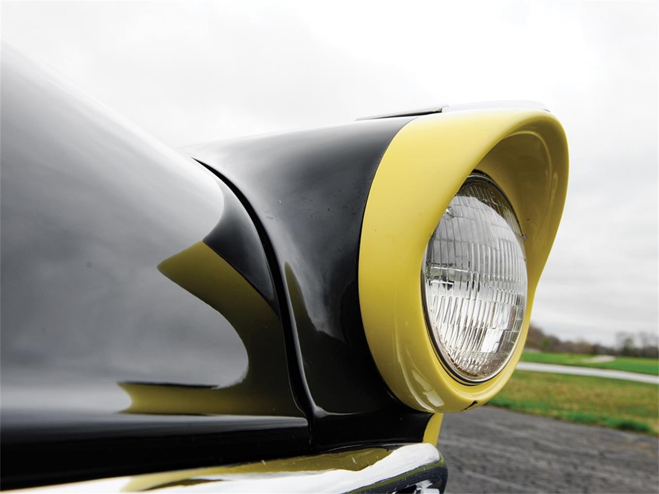 Large Picture of '56 Fairlane Sunliner - Q18Y