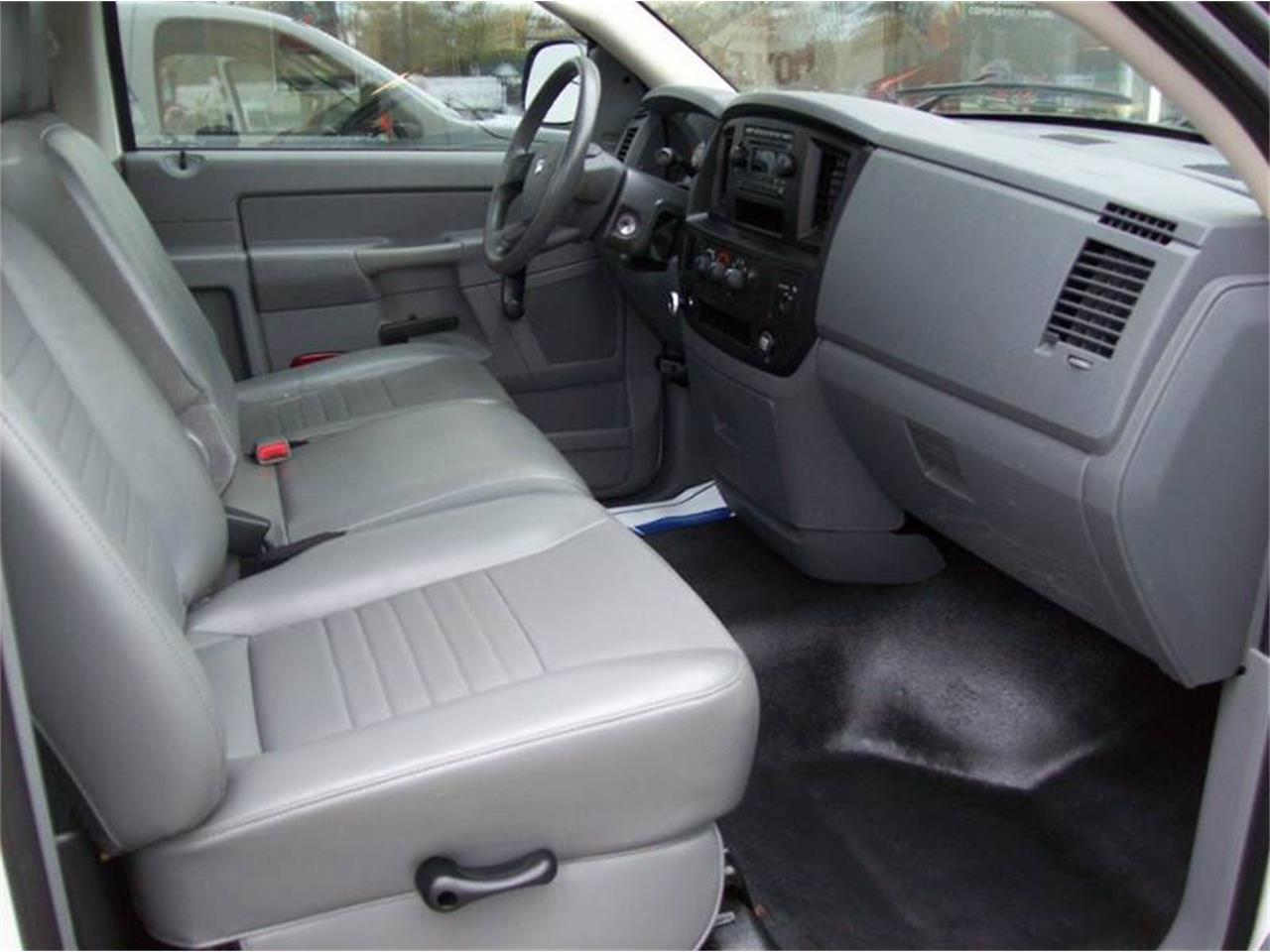 Large Picture of '07 Dodge Ram 2500 located in Holland Michigan - $10,495.00 - Q19T