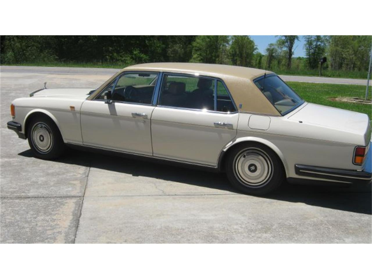 Large Picture of 1988 Rolls-Royce Silver Spur - Q1AT