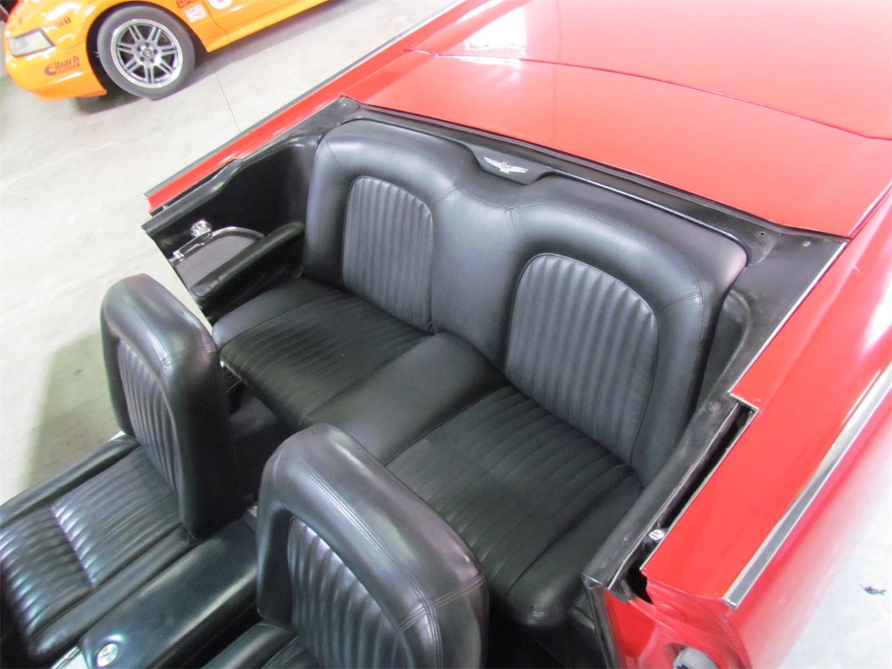 Large Picture of '62 Thunderbird - Q1DG