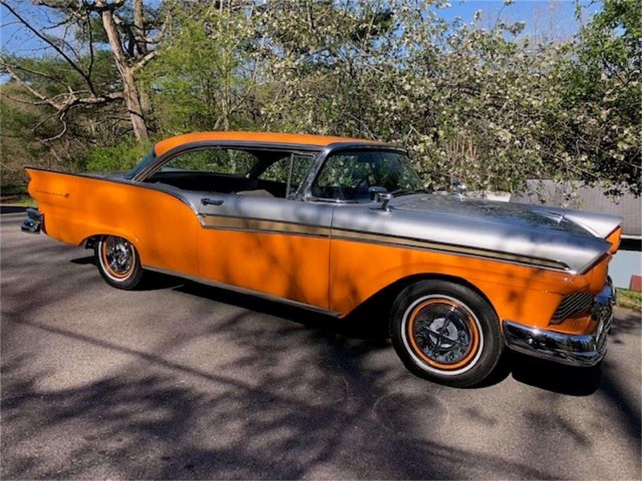 Large Picture of '57 Ford Fairlane Offered by Tom Mack Auctions - Q1ET