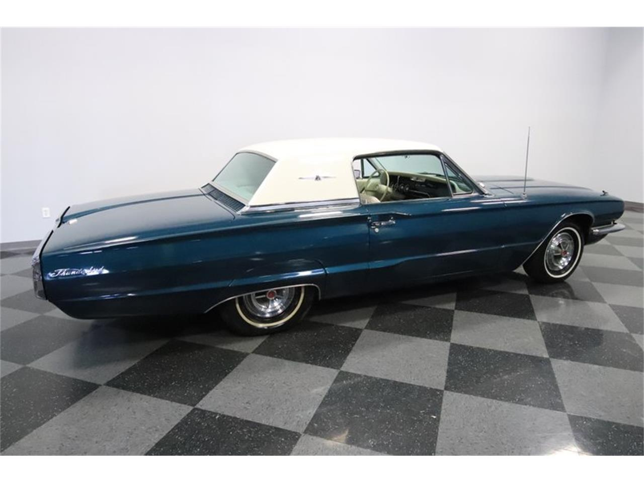 Large Picture of '66 Thunderbird - PY0S