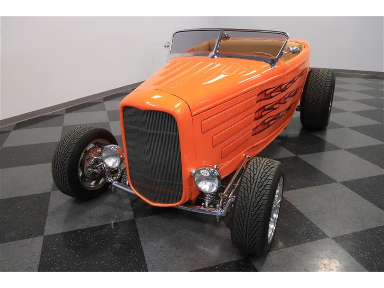 Large Picture of Classic 1932 Ford Roadster located in Mesa Arizona - $72,995.00 Offered by Streetside Classics - Phoenix - Q1HE