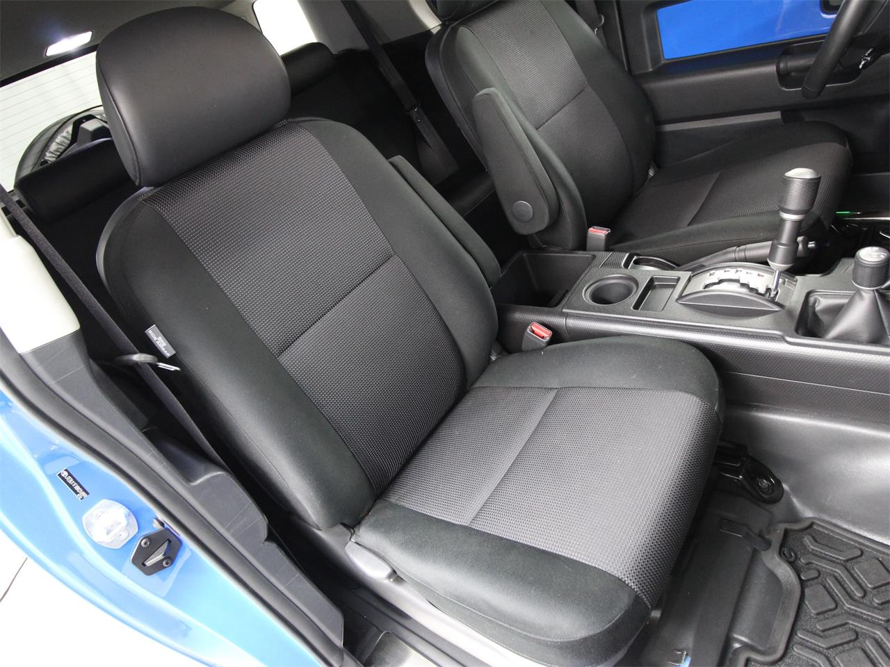 Large Picture of 2008 Toyota FJ Cruiser located in Virginia - $24,997.00 Offered by Duncan Imports & Classic Cars - PY12