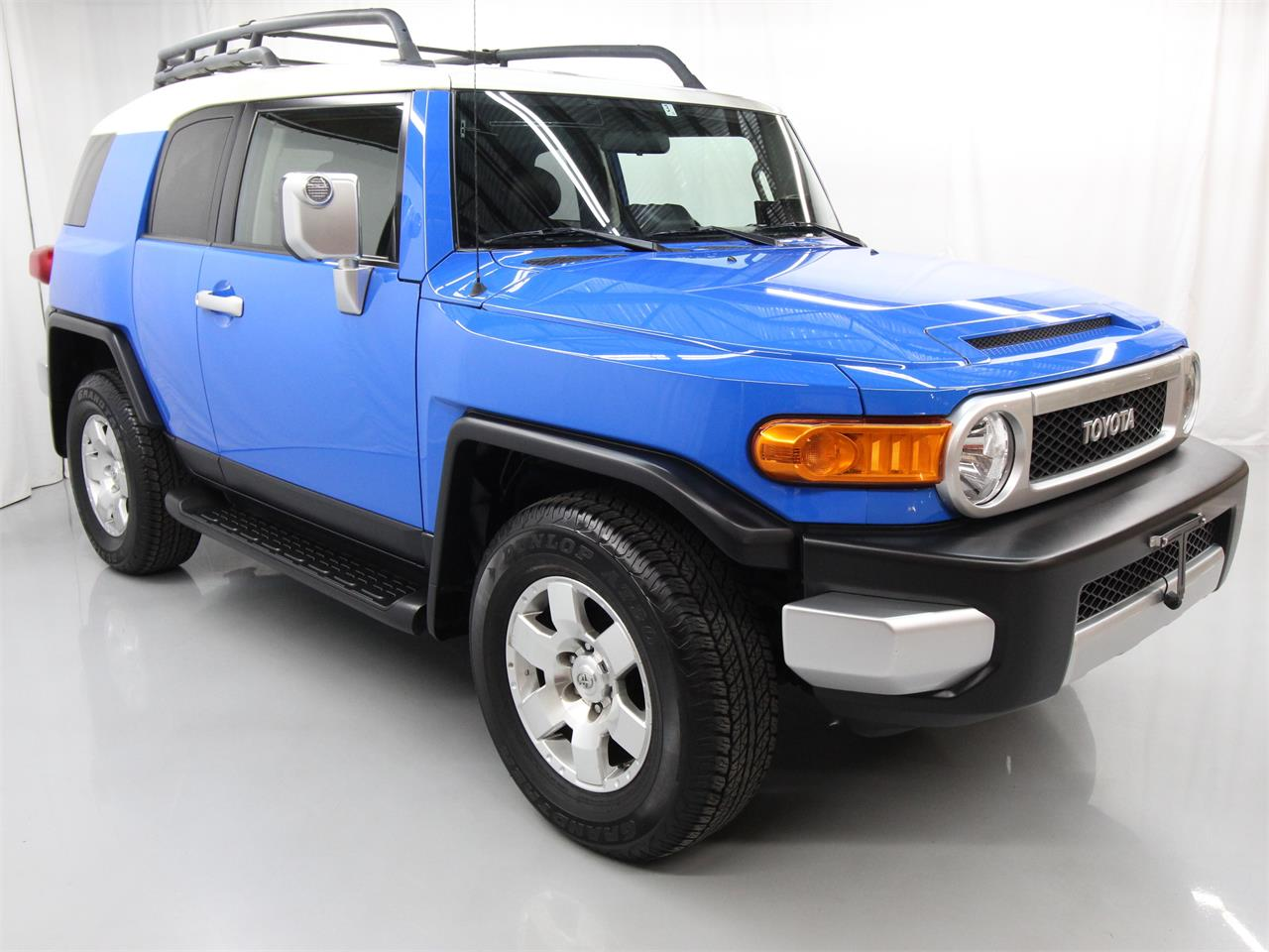 Large Picture of '08 FJ Cruiser located in Virginia - $24,997.00 Offered by Duncan Imports & Classic Cars - PY12