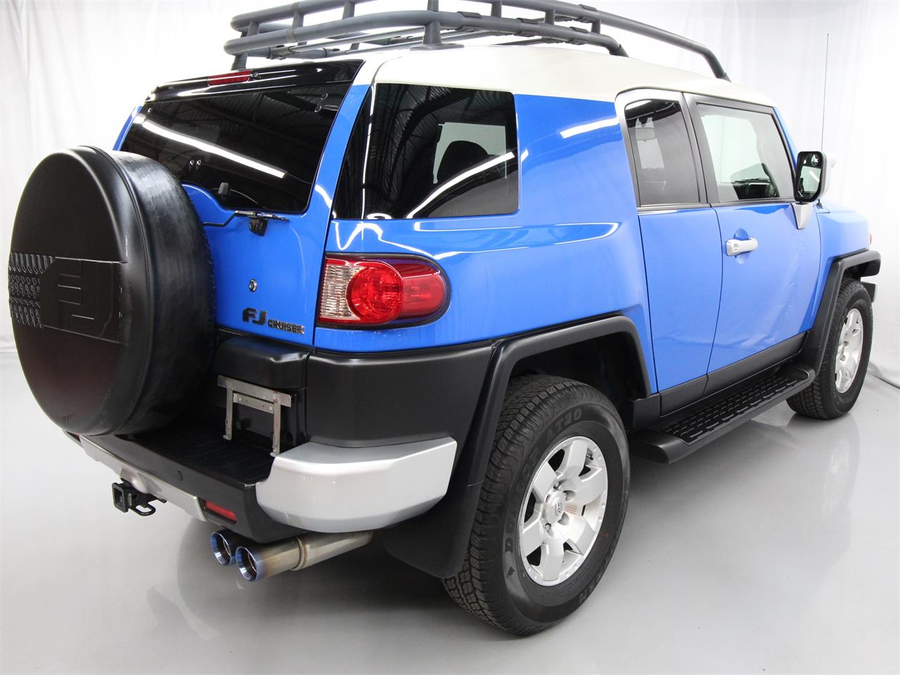 Large Picture of 2008 FJ Cruiser located in Christiansburg Virginia Offered by Duncan Imports & Classic Cars - PY12
