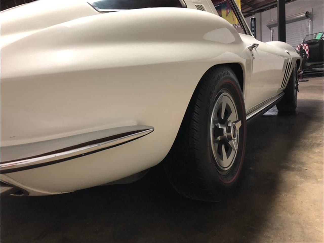 Large Picture of 1965 Corvette located in Savannah Georgia Offered by Savannah Classic Cars - Q1MV