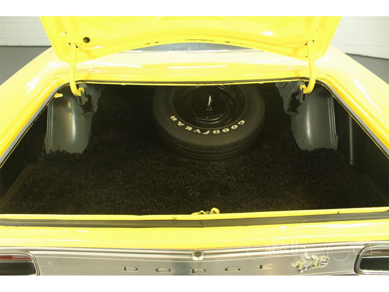 Large Picture of '70 Coronet - Q1O5