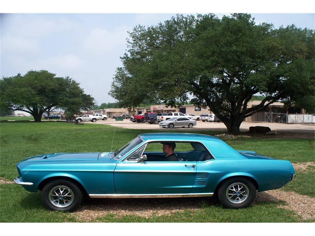 Large Picture of '67 Mustang - Q1Q5