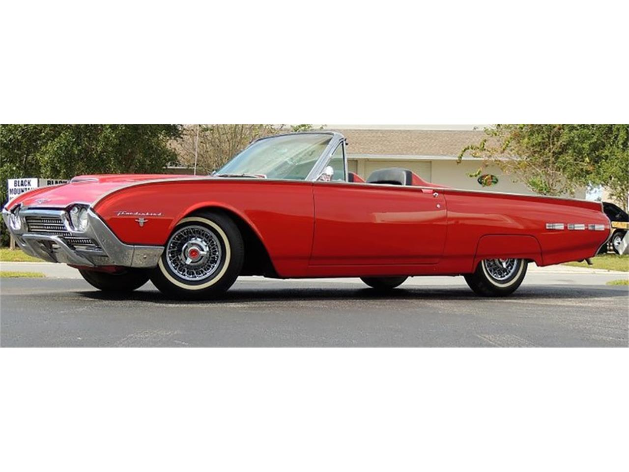 Large Picture of 1962 Thunderbird Auction Vehicle Offered by Leake Auction Company - Q1S9