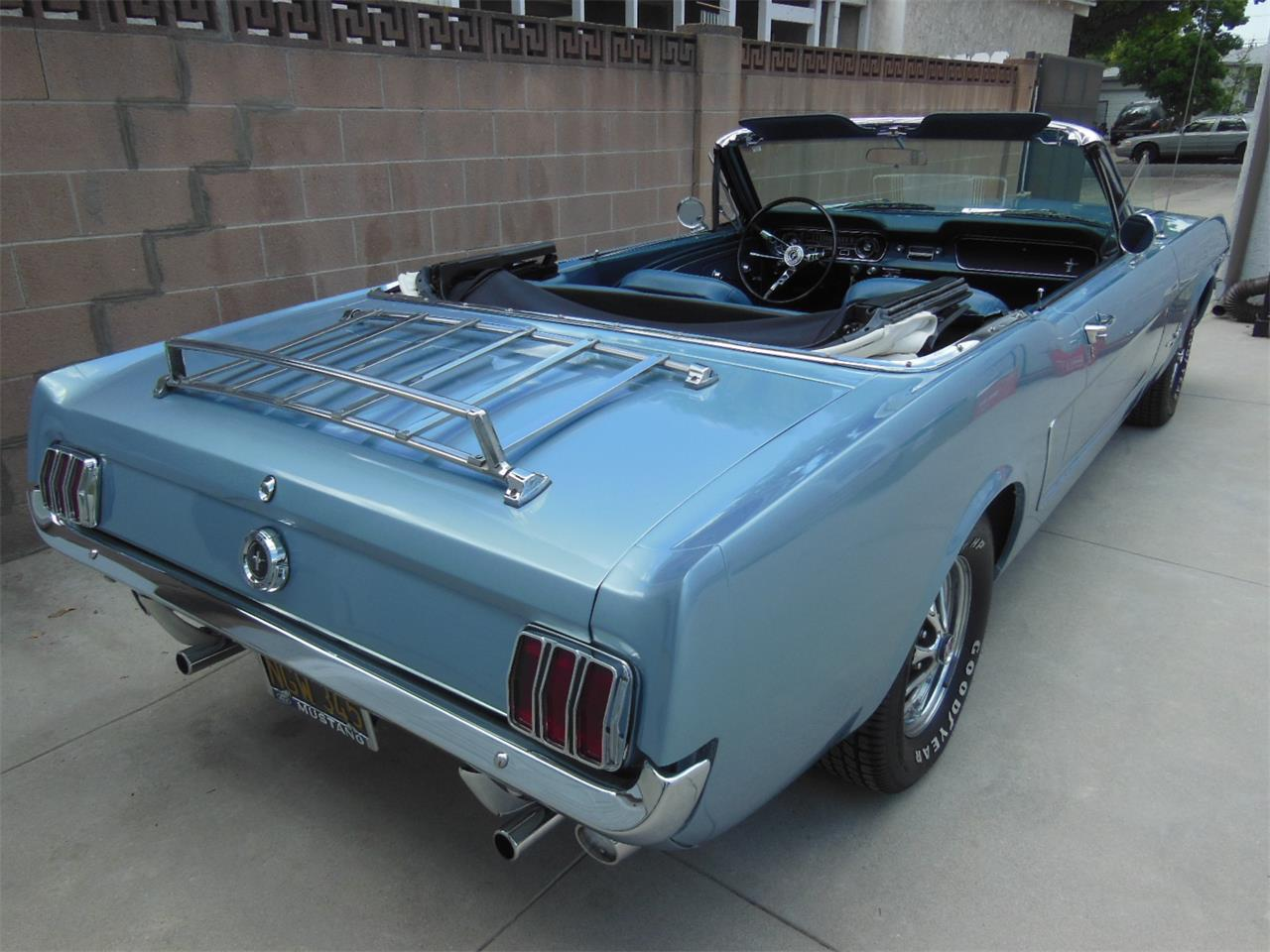 Large Picture of Classic 1965 Mustang - Q1U8