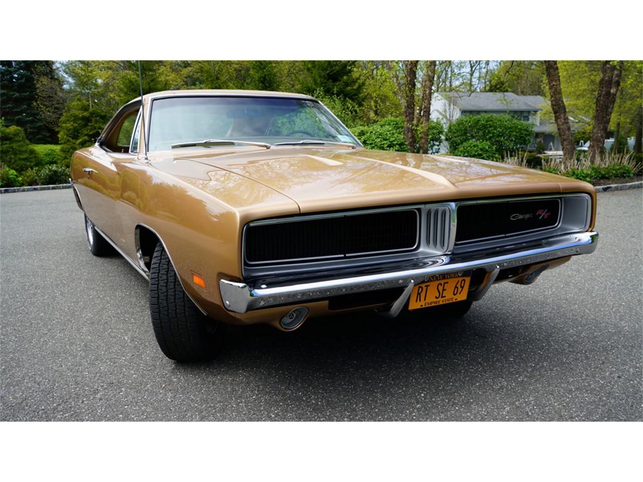 Large Picture of Classic 1969 Charger R/T located in Old Bethpage New York - Q1UM