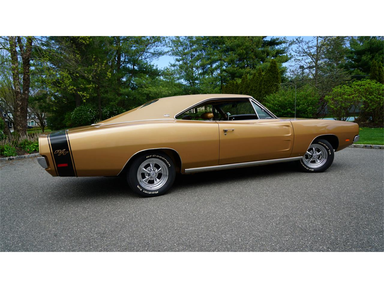 Large Picture of '69 Charger R/T located in New York Offered by Fiore Motor Classics - Q1UM