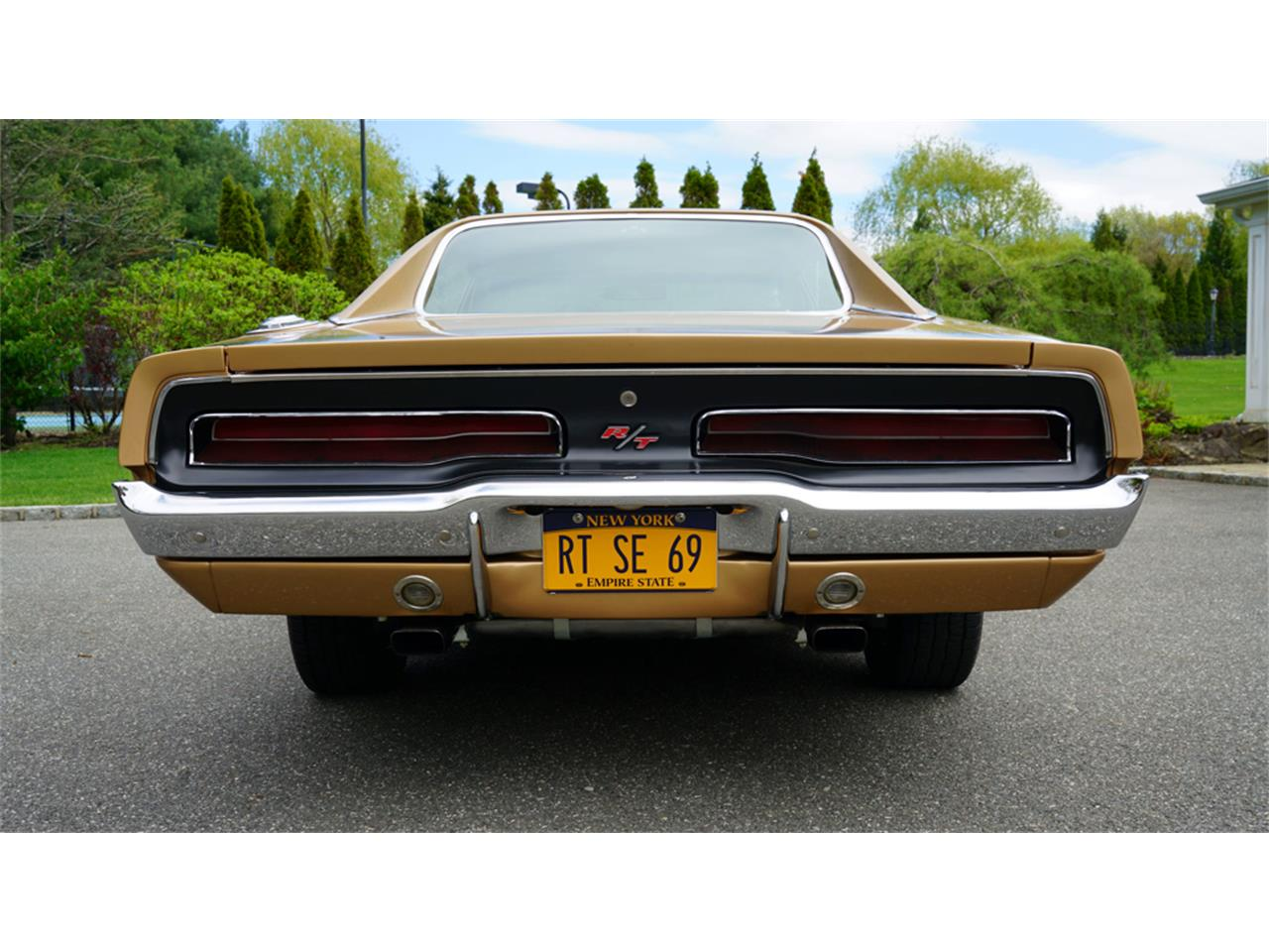 Large Picture of 1969 Charger R/T - $83,900.00 Offered by Fiore Motor Classics - Q1UM