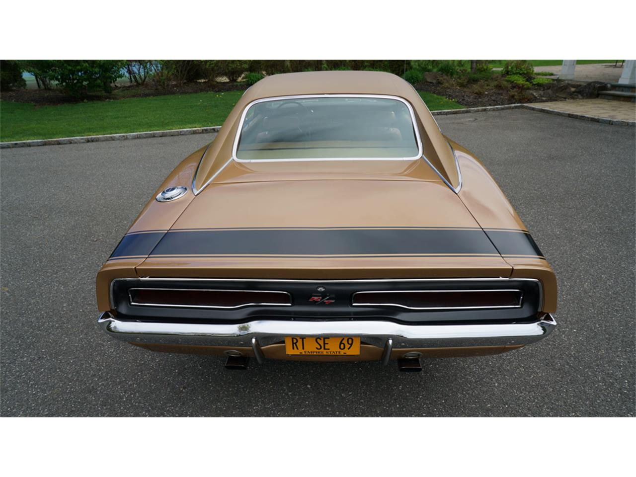 Large Picture of 1969 Dodge Charger R/T located in New York Offered by Fiore Motor Classics - Q1UM
