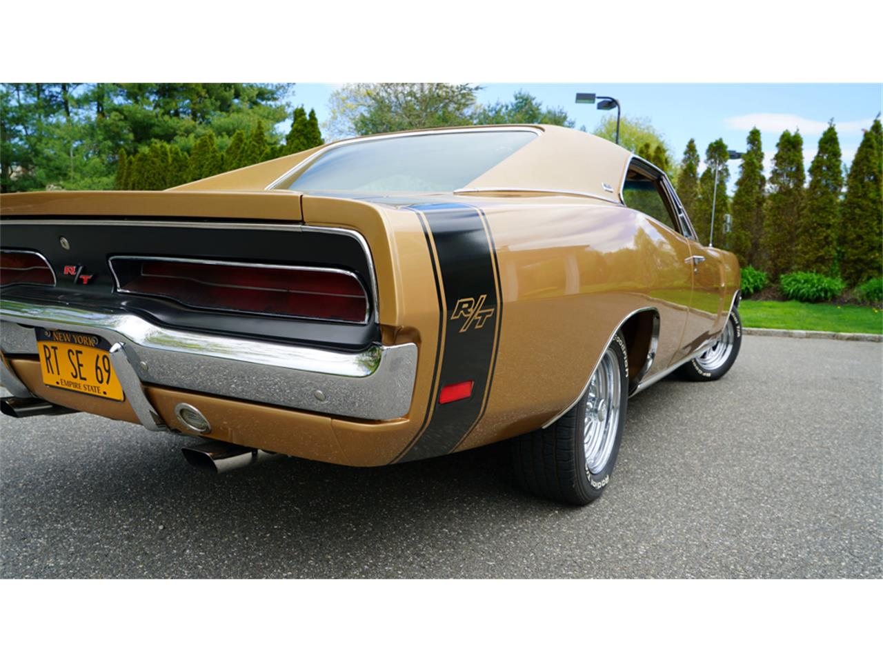 Large Picture of Classic 1969 Dodge Charger R/T located in New York Offered by Fiore Motor Classics - Q1UM
